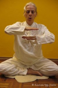 Kundalini Yoga Galerie Schule Münster - Meditationskriya für Selbsterneuerung