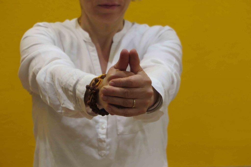 Kundalini Yoga Galerie Schule Münster - Meditation, um Dich mit neuer Energie aufzuladen