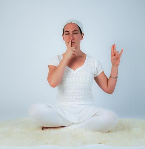 Kundalini Yoga Galerie Schule Münster - Meditation zur Stärkung des Immunsystems: die innere Sonne